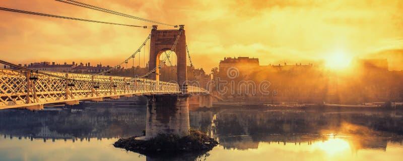 Wschód słońca na footbridge zdjęcia stock