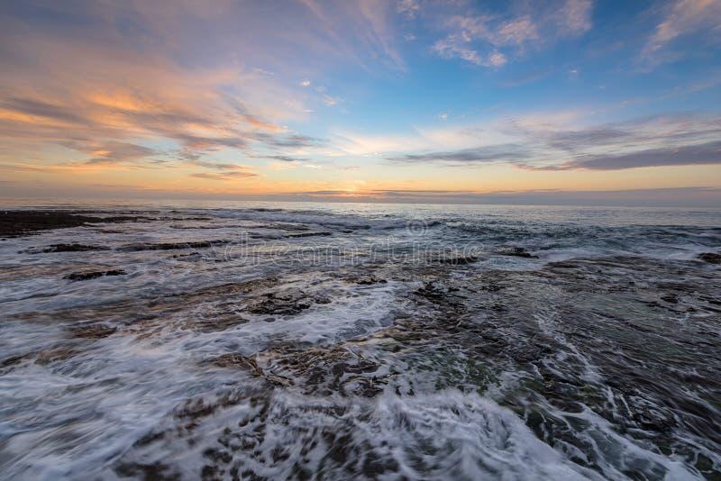Wschód słońca na Prętowej plaży w Newcastle NSW Australia zdjęcie royalty free