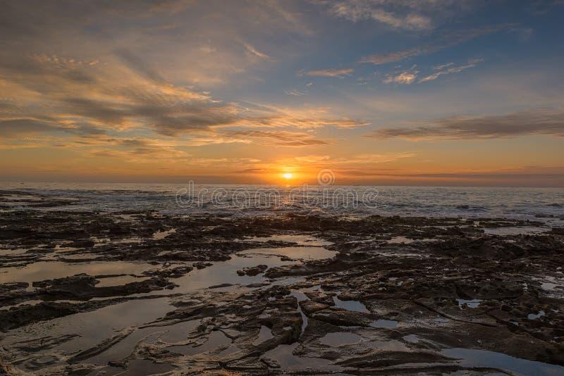 Wschód słońca na Prętowej plaży w Newcastle NSW Australia zdjęcie stock