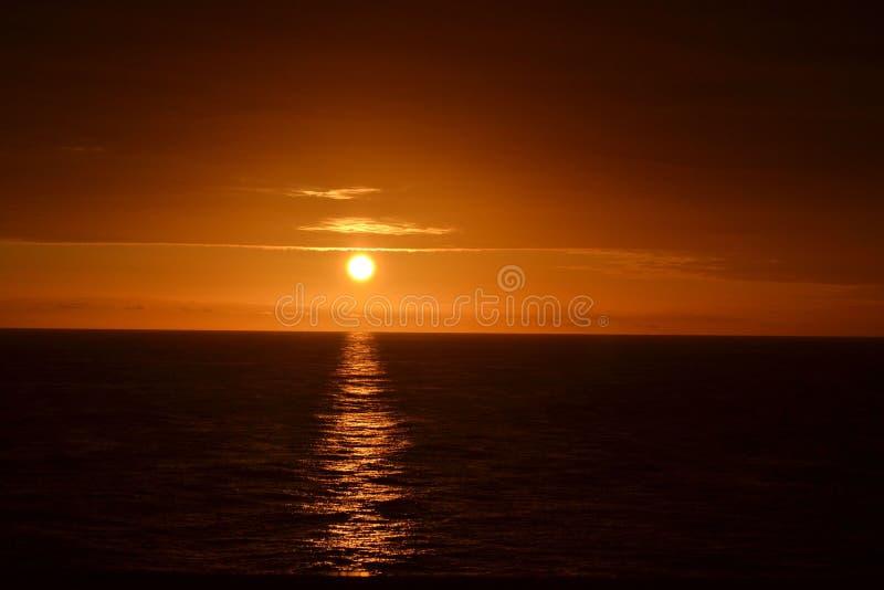Wschód słońca na Queen Mary zdjęcie stock