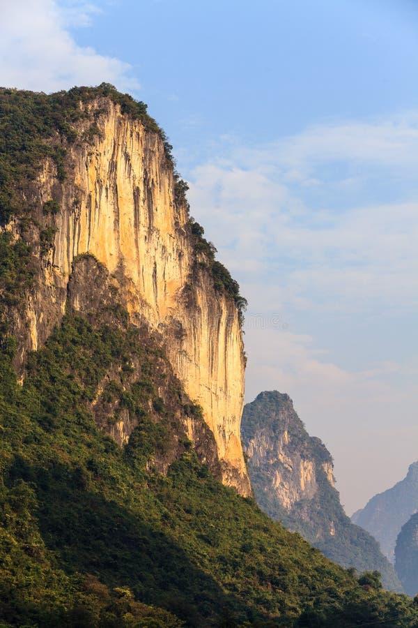 Wschód słońca na wapnia wzgórzu fotografia stock