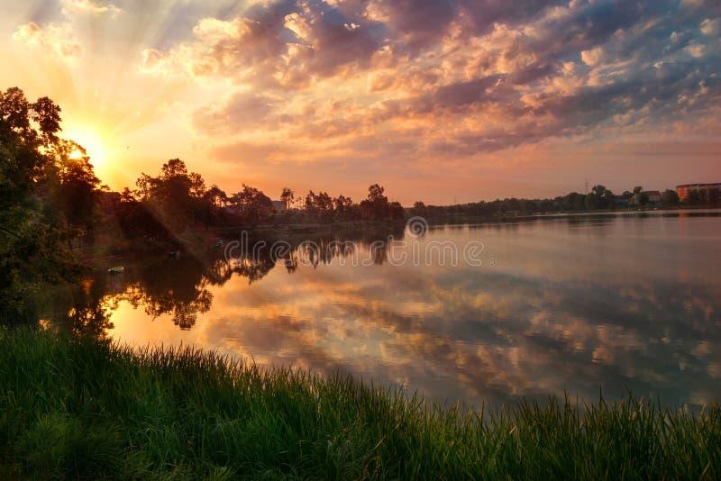 Wschód słońca nad łosiem lake2 zdjęcie stock