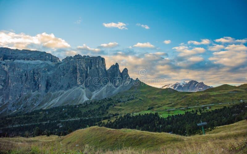 Wschód słońca nad Alpe Di Siusi górami, dolomity, Trentino Południowy Tyrol, Włochy fotografia royalty free