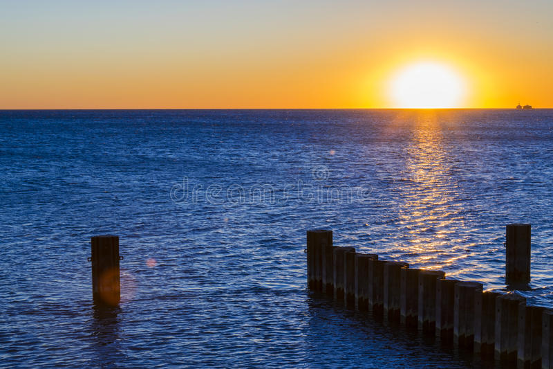 Wschód słońca nad jeziorem obraz royalty free