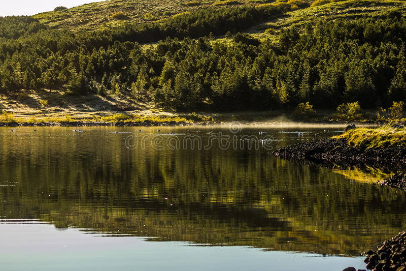 Wschód słońca nad Jeziornym Hvaleyri Iceland obrazy stock