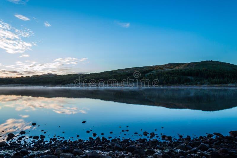 Wschód słońca nad Jeziornym Hvaleyri Iceland zdjęcia royalty free