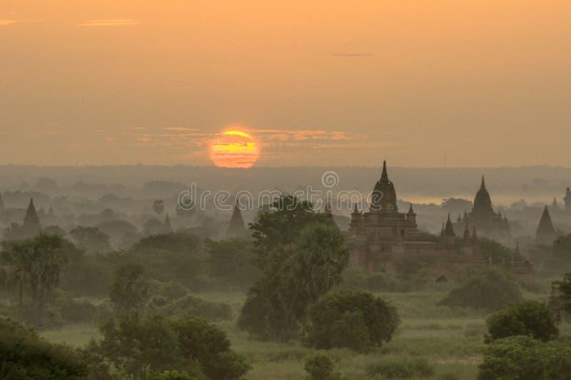 Wschód słońca nad pagodami w Bagan, Myanmar obraz stock