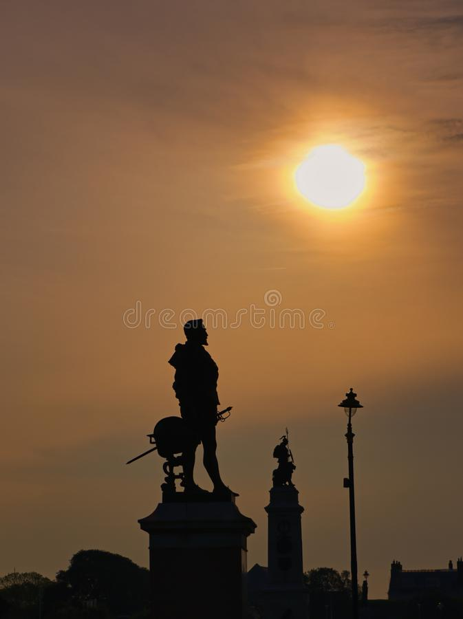 Wschód słońca nad Sir Francis Drake Plymouth motyką zdjęcie royalty free
