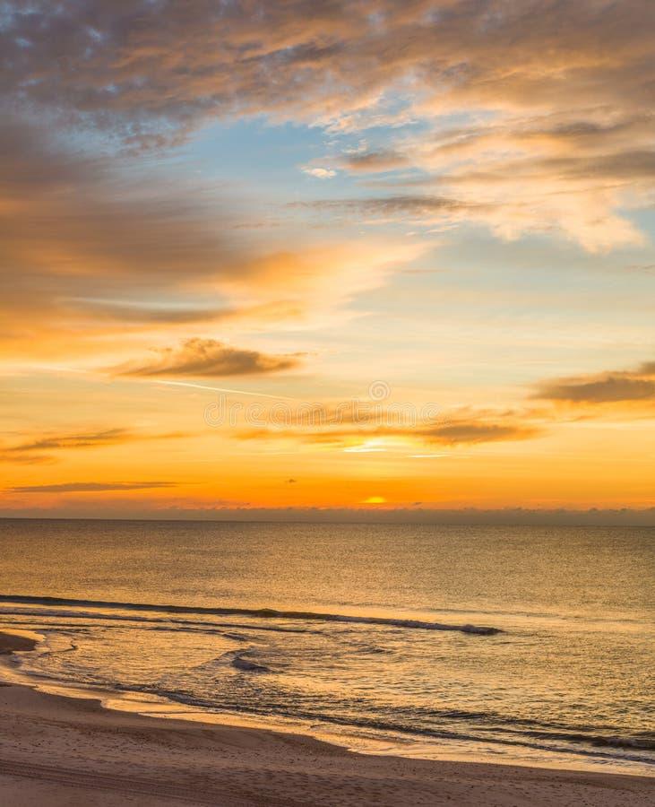 Wschód słońca nad zatoką meksykańską na St George wyspie Floryda obrazy stock