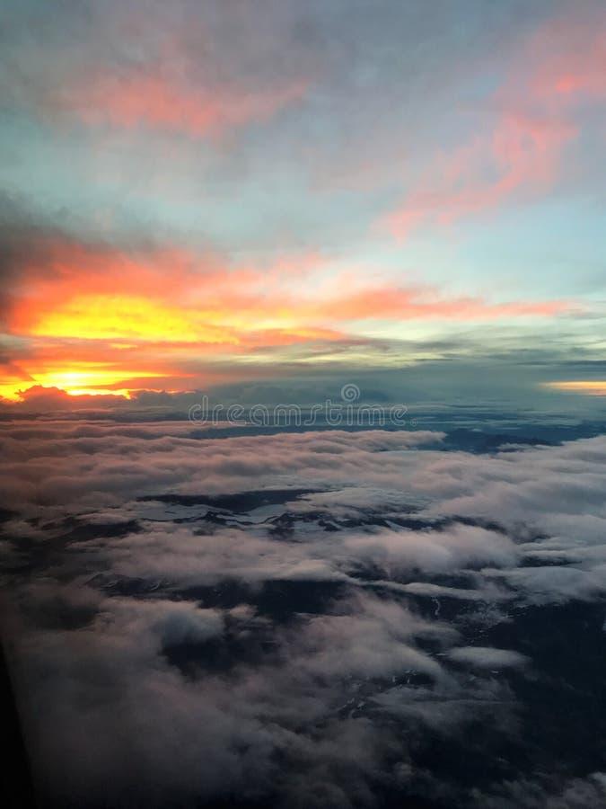 Wschód słońca od strumienia obraz stock