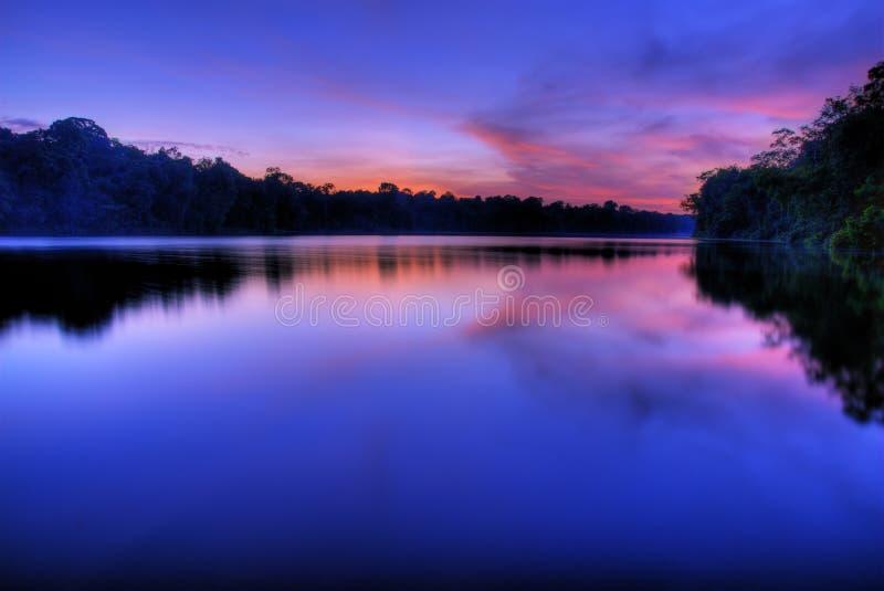 wschód słońca przebija nisko fotografia stock