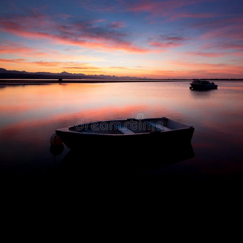 Wschód słońca przy laguną obraz stock