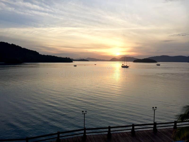 Wschód słońca przy Langkawi wyspą zdjęcie royalty free