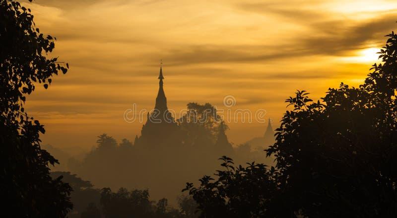Wschód słońca przy Mrauk U, Rakhine stan, Myanmar fotografia royalty free
