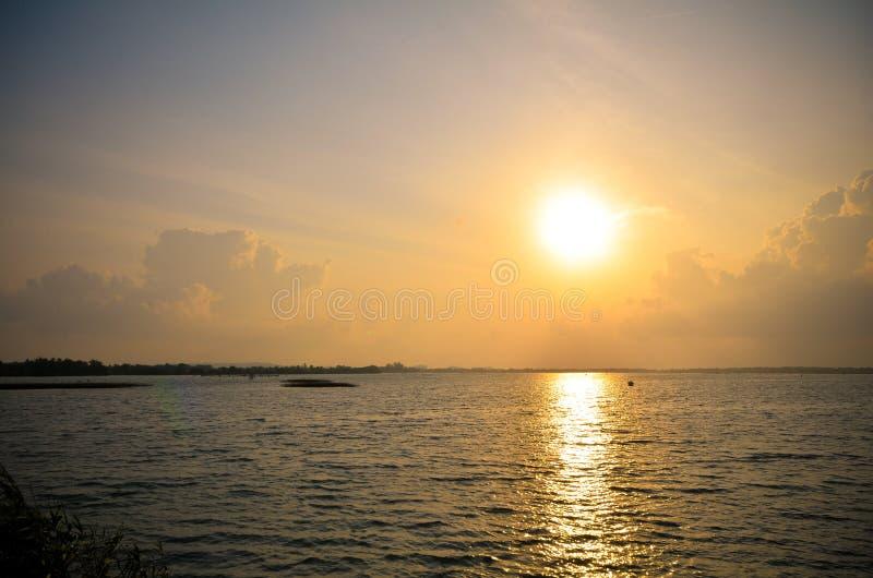 Wschód słońca przy Pak Phayun zdjęcie stock
