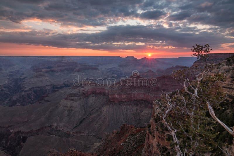 Wschód słońca przy Uroczystym jarem - Arizona fotografia royalty free