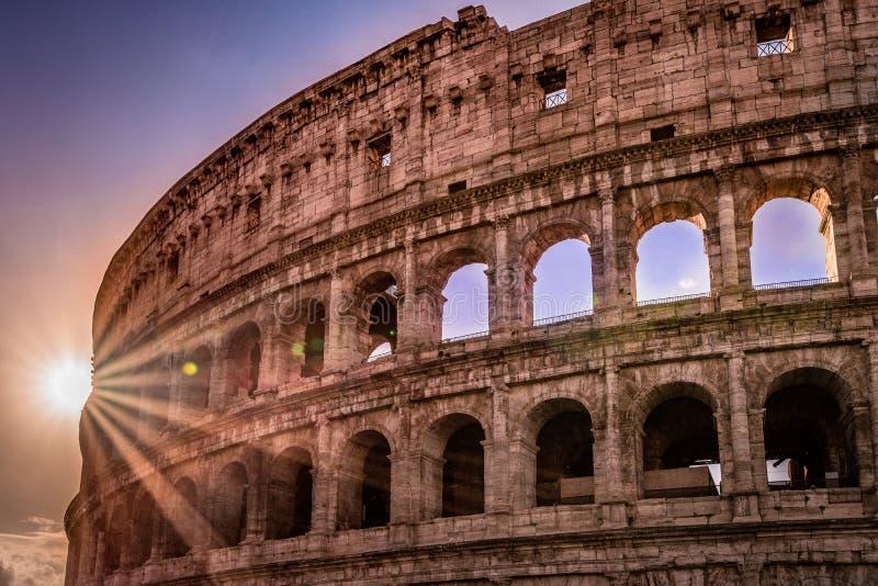 Wschód słońca w Colosseum obrazy stock