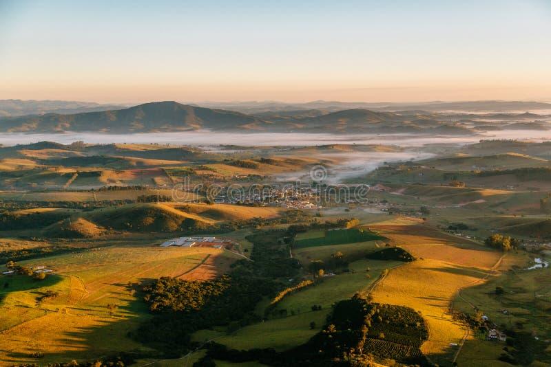 Wschód słońca w dolinie obrazy royalty free