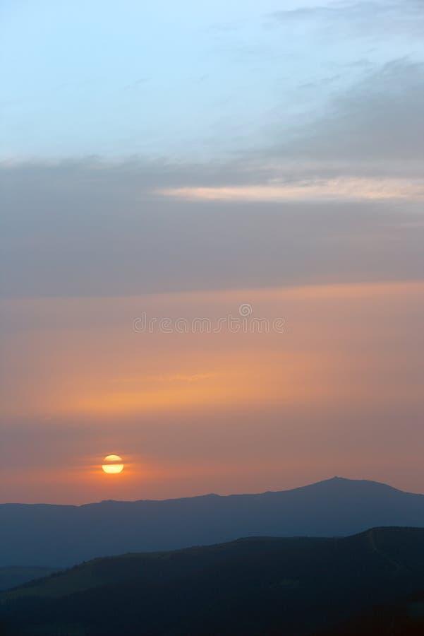 Wschód słońca w górach zdjęcia royalty free