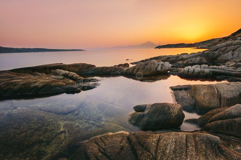 Wschód słońca w Grecja, Halkidiki Sykia, Europa, - obraz stock