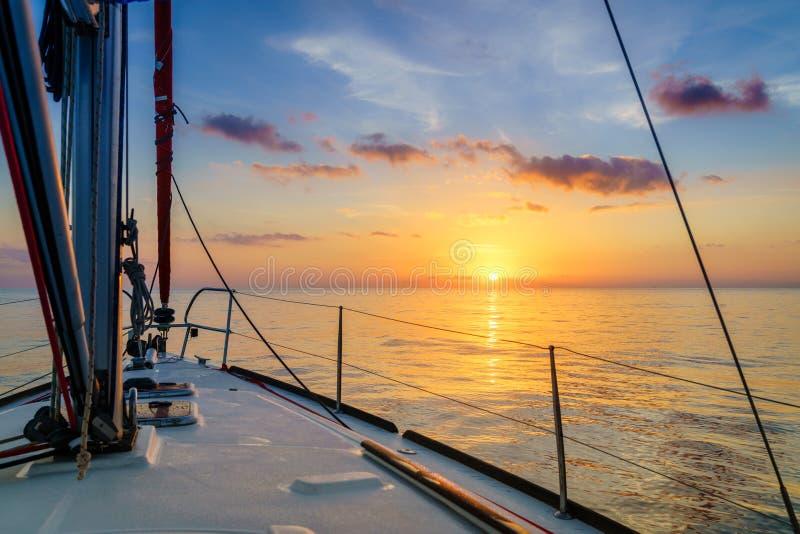 Wschód słońca w Morzu Śródziemnym fotografia stock
