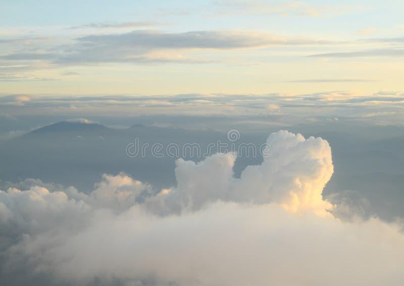 Wschód słońca w niebie obrazy royalty free