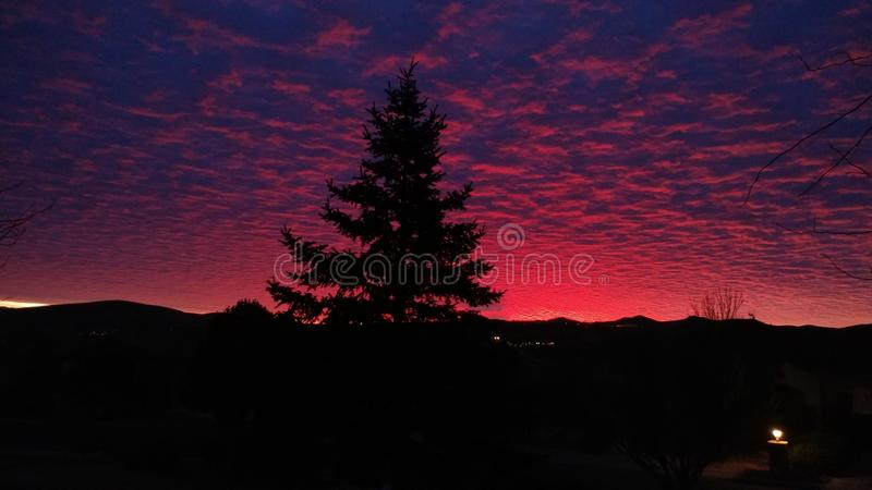 Wschód słońca W prescotcie Arizona Nad górą obrazy stock