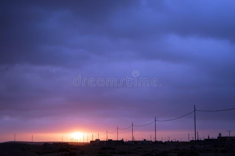 Wschód słońca w wiosce zdjęcia stock