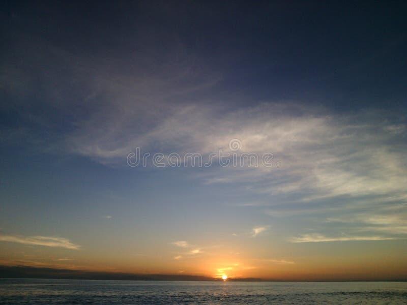 Wschód słońca w wyspie obrazy stock