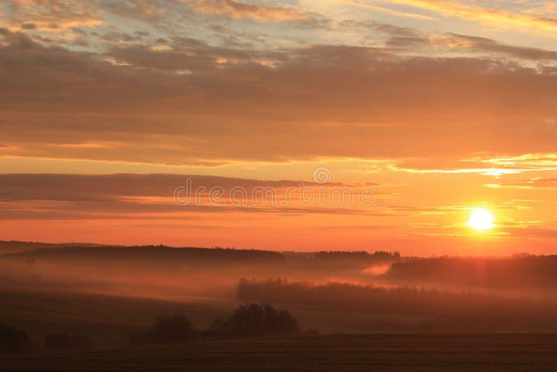 Wschód słońca z krajobrazem zdjęcie stock
