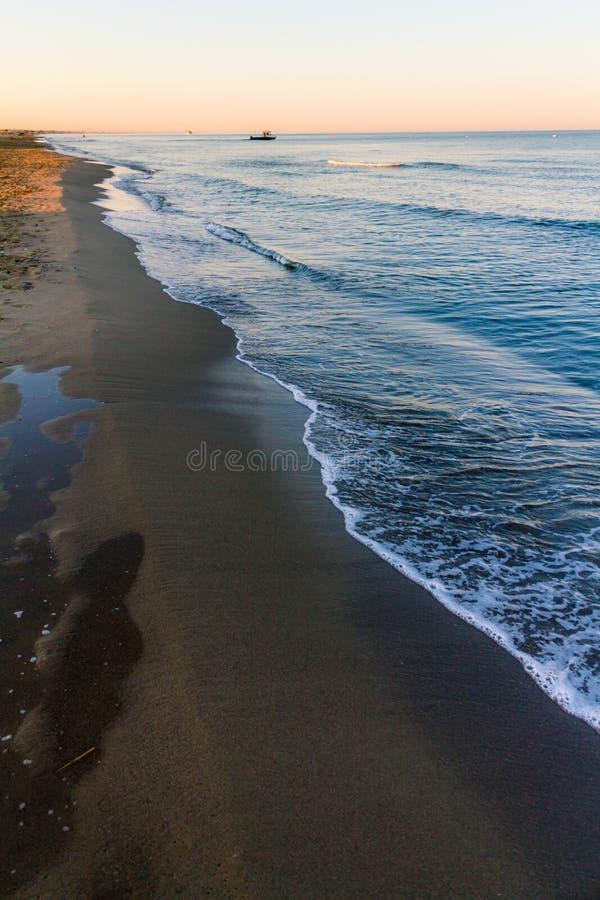 Wschodów słońca kolory nad morzem zdjęcia royalty free