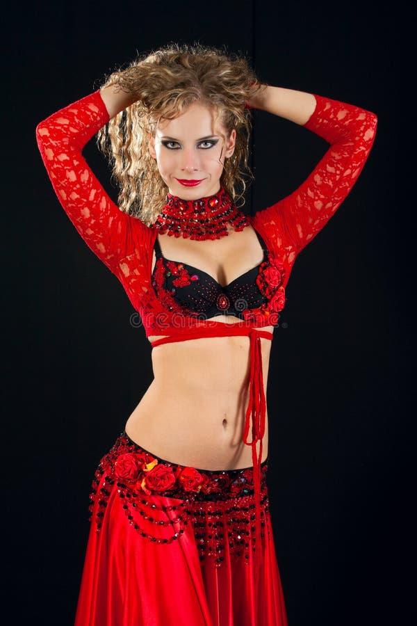 wschodni piękny kostiumowy tancerz fotografia royalty free