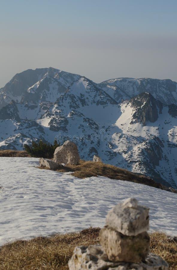 Wschodu słońca światło na śnieżnych halnych Italy alps zdjęcie stock