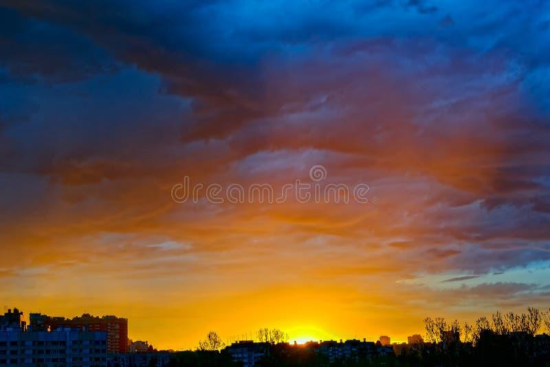 Wschodu słońca nieba miasto zdjęcie royalty free