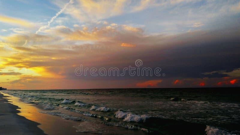 Wschodu słońca plażowy tło fotografia stock