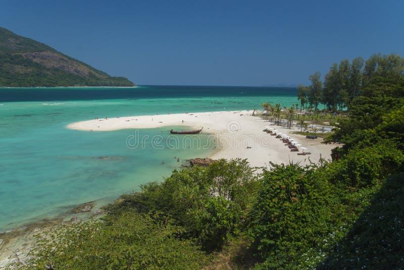 Wschodu słońca społeczeństwa plaża przy Lipe wyspą zdjęcie royalty free