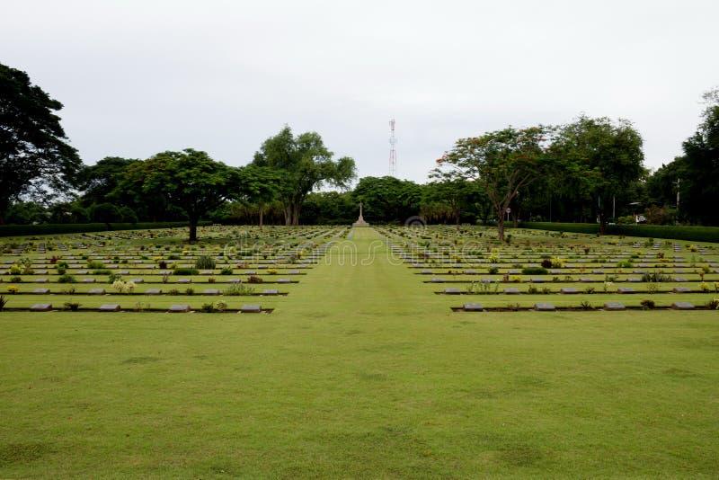 Wspólnota Narodów Wojenni grób, Chungkai Wojenny cmentarz w Kanchanaburi Tajlandia obraz stock