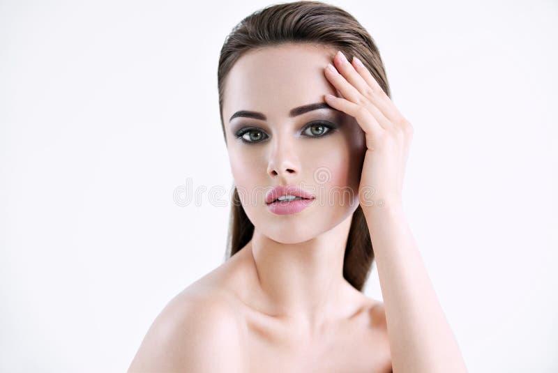 Wspaniała biała kobieta z zdrowie skórą zdjęcia royalty free