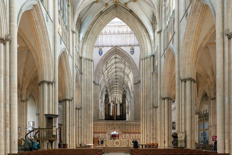 Wspaniały gothic Nave wśrodku Jork ministra, historyczna katedra budował w Angielskim gothic architektonicznym stylu, UK obrazy royalty free