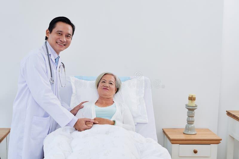 Wspierająca lekarka zdjęcie stock
