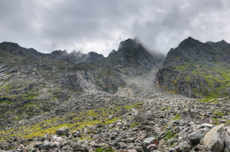 Wspinać się wzrosty bigos wschodni terenu ilchir lokalizować okinsky plateau Russia sayan obrazy stock