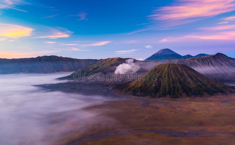 Wspina się Bromo, widok podczas wschodu słońca, Wschodni Jawa, Indonezja obraz royalty free