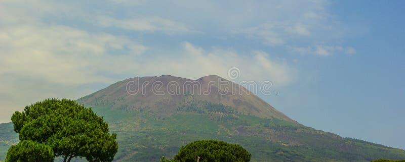 Wspina się Vesuvius lokalizować na zatoce Naples w Campania, Włochy obrazy stock