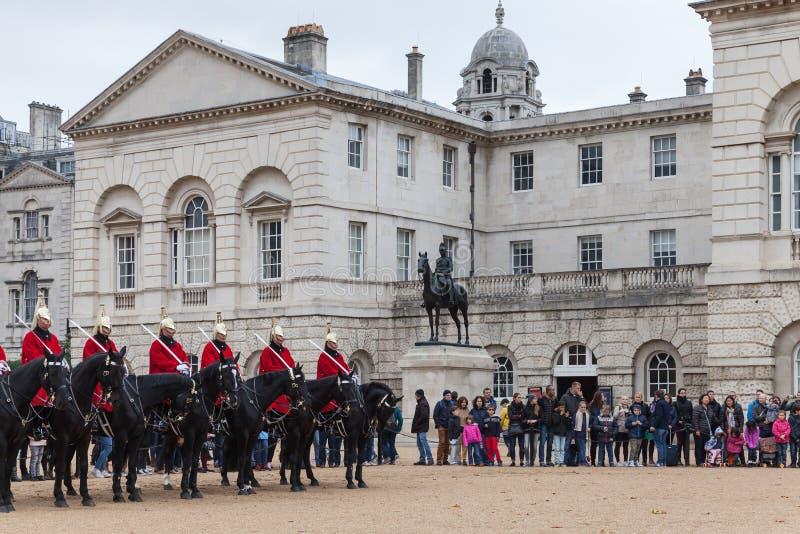 Wspinający się turyści w Londyn i strażnicy zdjęcie royalty free