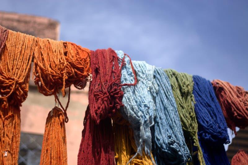 Wszystkie barwione tkaniny, stawiać suszyć obrazy royalty free