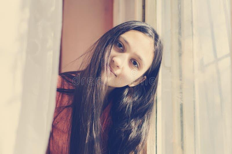 wszystkie tła pięknego dziewczyny włosy długiego portreta nastoletni biel Styl życia styl Tonować w stylu instagram fotografia stock