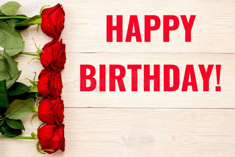 Wszystkiego Najlepszego Z Okazji Urodzin karta z czerwonymi różami obrazy stock