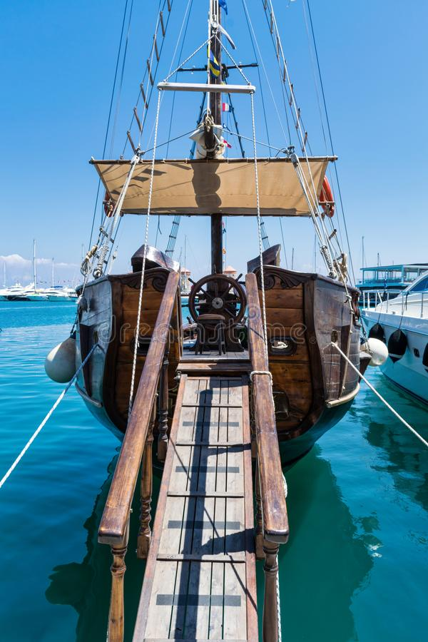 Wszystko na pokładzie łódź obrazy stock
