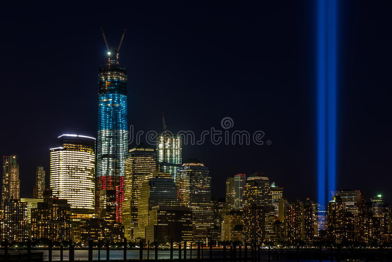 WTC Denkmal: Tribut in der Leuchte stockfotos