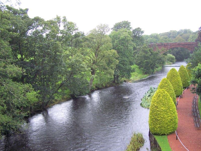 Wter Way of Brig o` Doon e Kirk, foto di Borsa di Ayrshire immagini stock libere da diritti